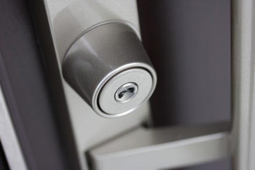 DIYで鍵は交換できる!方法とおすすめの鍵をご紹介します